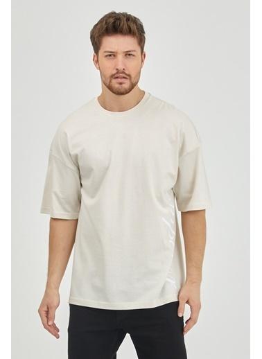 XHAN Taş Rengi Arkası Baskılı Oversize T-Shirt  Taş